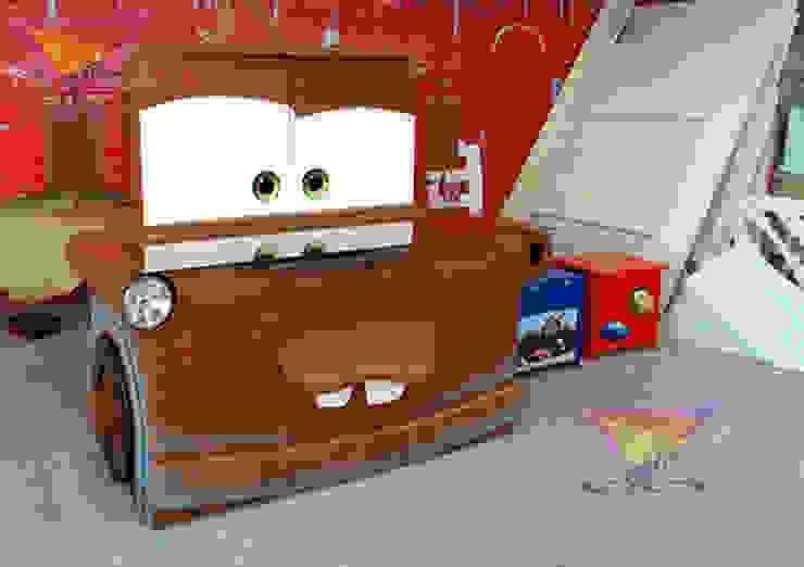 Fabuloso escritorio estilo Mate de camas y literas infantiles kids world Moderno Derivados de madera Transparente