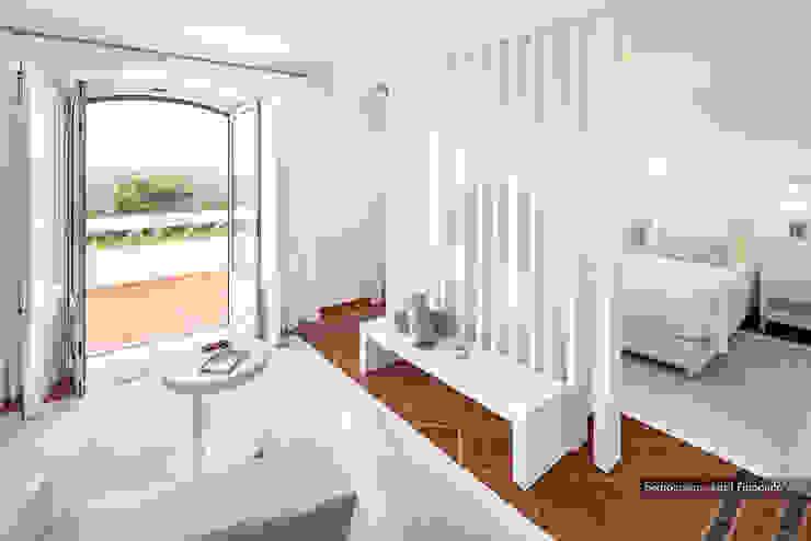 Casa decorada com Velharias de Janas Quartos modernos por Pedro Queiroga | Fotógrafo Moderno