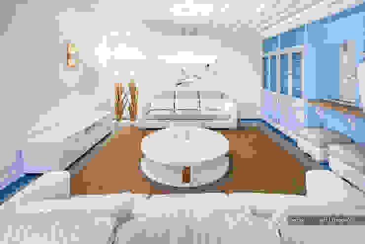 Excelência e bom gosto de mãos dadas! Casa mobilada com Velharias de Janas: Salas de estar  por Pedro Queiroga | Fotógrafo