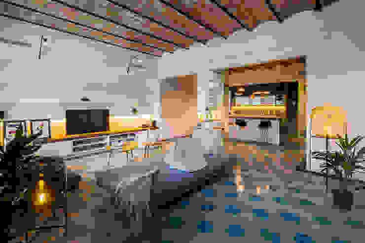 Rustic style living room by Nghệ nhân Kiến trúc thủ công Rustic