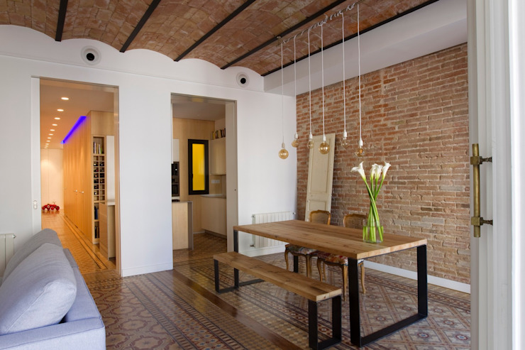 Rustic style dining room by Nghệ nhân Kiến trúc thủ công Rustic