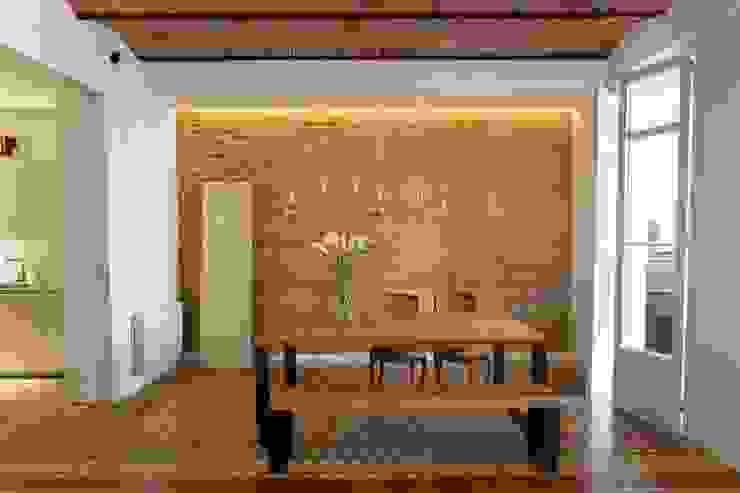 Ruang Penyimpanan Wine/Anggur Gaya Rustic Oleh Nghệ nhân Kiến trúc thủ công Rustic