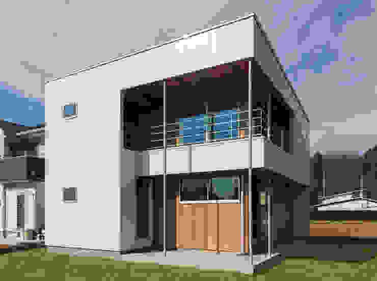 Minimalist house by STaD(株式会社鈴木貴博建築設計事務所) Minimalist