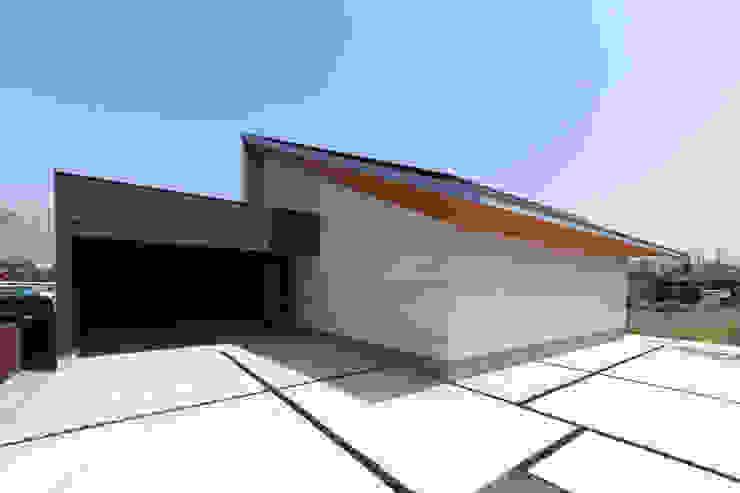 STaD(株式会社鈴木貴博建築設計事務所) Casas tropicales