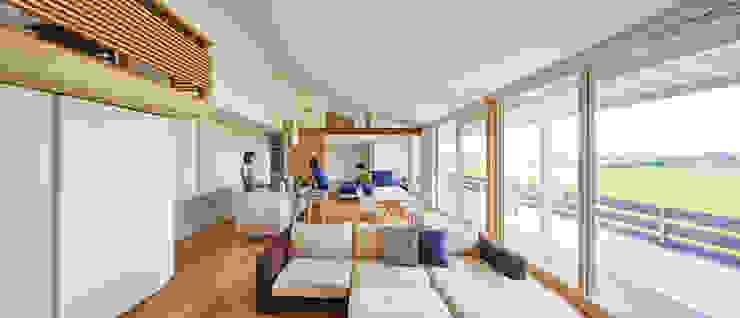 川原の家: 梶浦博昭環境建築設計事務所が手掛けたリビングです。