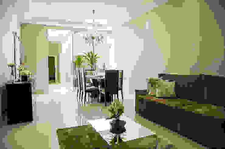 Minimalist living room by Carla Monteiro Arquitetura e Interiores Minimalist