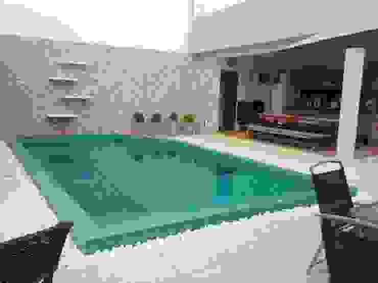 Jorge Júnior Arquitetura Garden Pool Ceramic Green