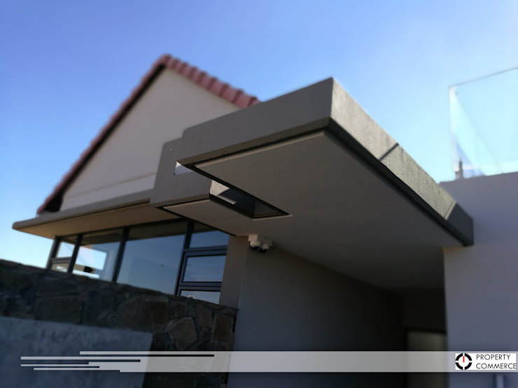 Main entrance by Property Commerce Architects Modern