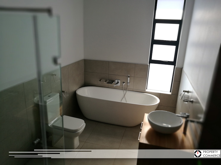 First floor bathroom Modern bathroom by Property Commerce Architects Modern