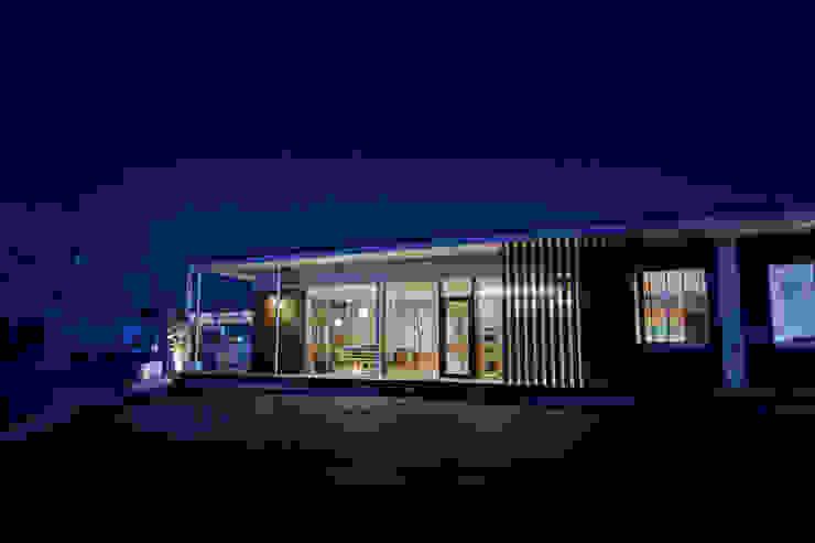 青木建築設計事務所의 현대 , 모던
