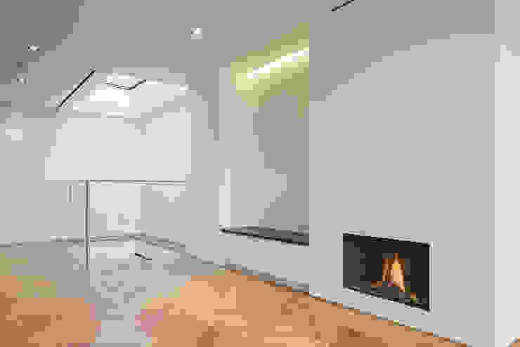 8 Harley Place 现代客厅設計點子、靈感 & 圖片 根據 Sonnemann Toon Architects 現代風