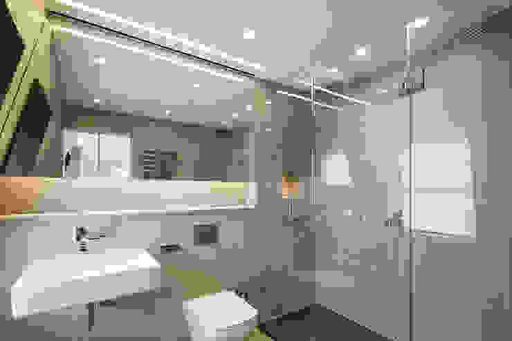 8 Harley Place 現代浴室設計點子、靈感&圖片 根據 Sonnemann Toon Architects 現代風