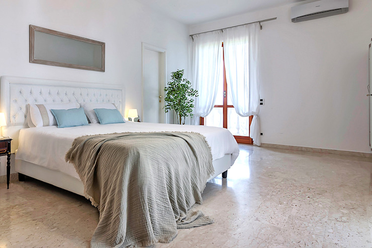 Habitat Home Staging & Photography ห้องนอนเตียงนอนและหัวเตียง Beige
