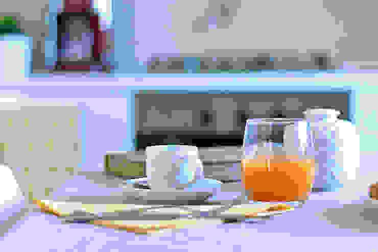 Habitat Home Staging & Photography ห้องครัวช้อนส้อม จานชามและเครื่องแก้ว