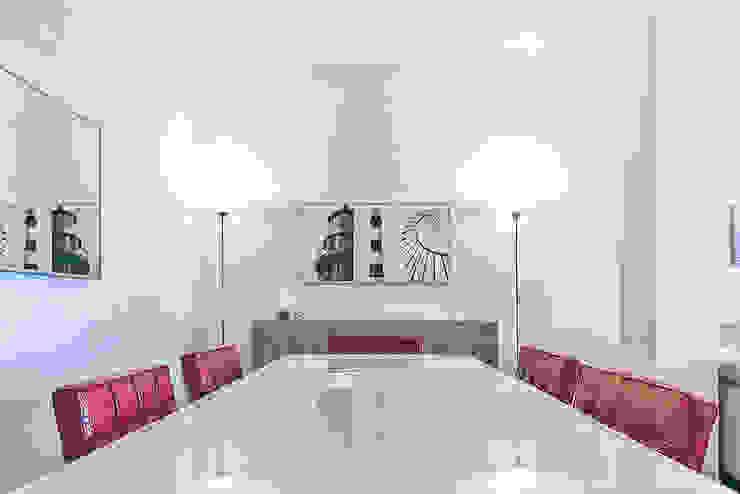 Habitat Home Staging & Photography ห้องทานข้าวโต๊ะ Red