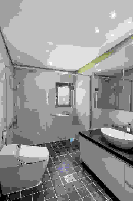 애플팜 하우스(Apple Farm House) 모던스타일 욕실 by 투엠투건축사사무소 모던