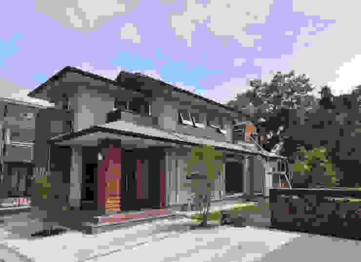 Modern Houses by (株)独楽蔵 KOMAGURA Modern