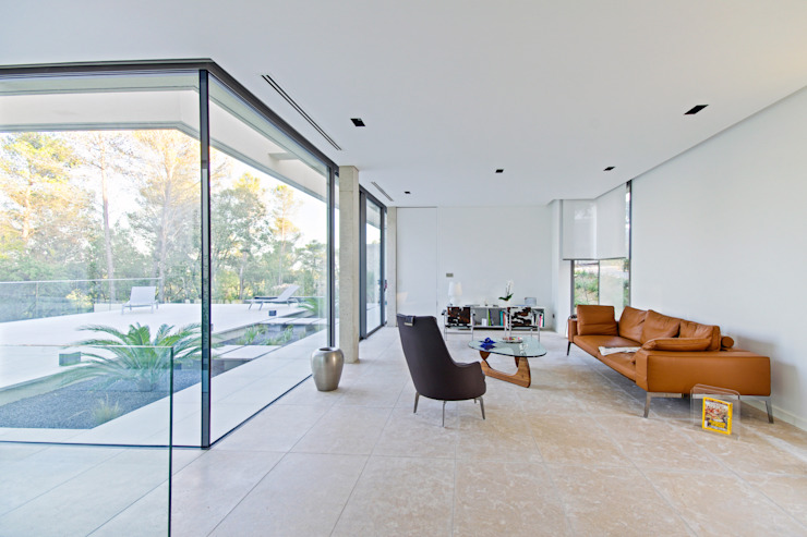Ruang Keluarga Minimalis Oleh Brengues Le Pavec architectes Minimalis