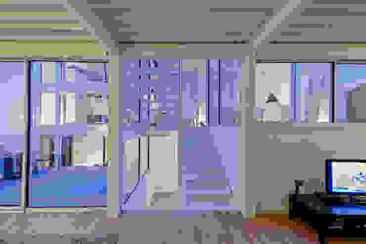 RUX Couloir, entrée, escaliers minimalistes par Brengues Le Pavec architectes Minimaliste