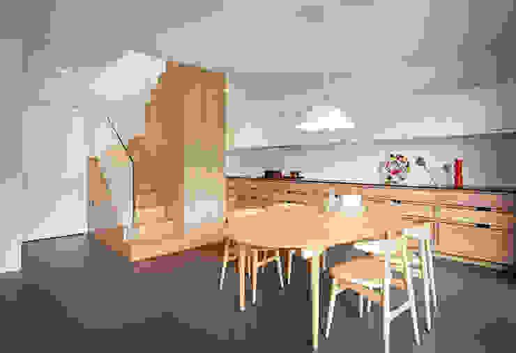 Cocinas de estilo  por Burnazzi  Feltrin  Architects