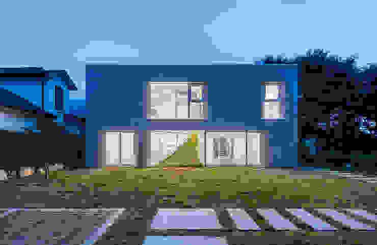 房子 by AND(에이엔디) 건축사사무소, 現代風 磁磚