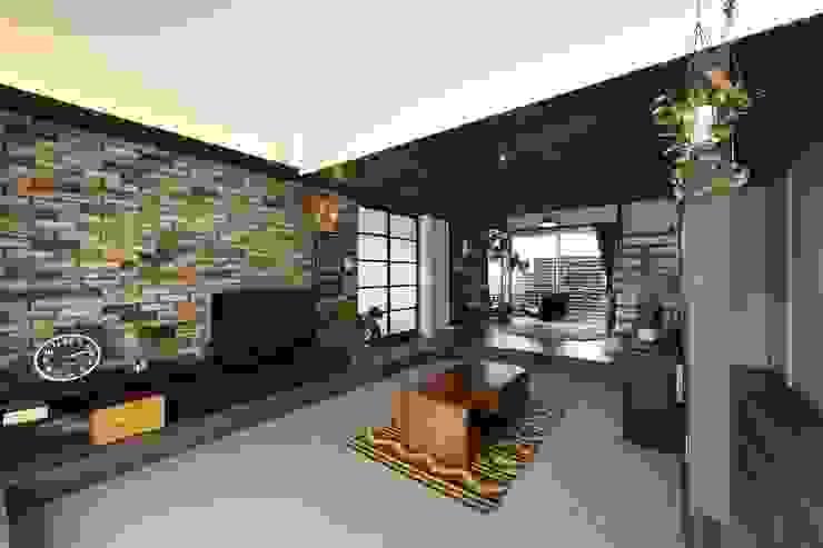 Modern Living Room by Sen's Photographyたてもの写真工房すえひろ Modern