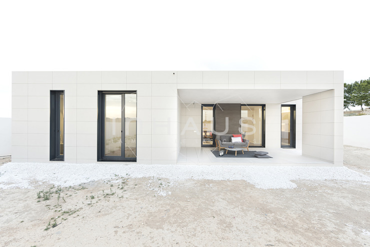 Casas inHAUS Balcon, Veranda & Terrasse modernes