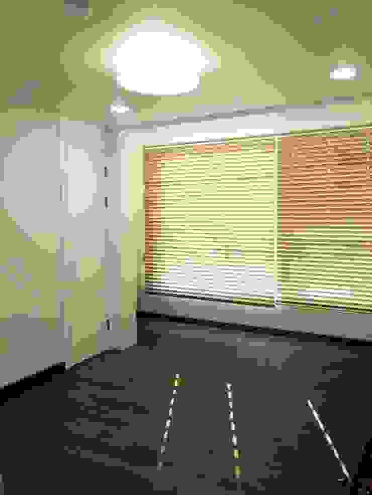 신촌 데시앙아파트 리모델링 모던스타일 미디어 룸 by LNID 모던