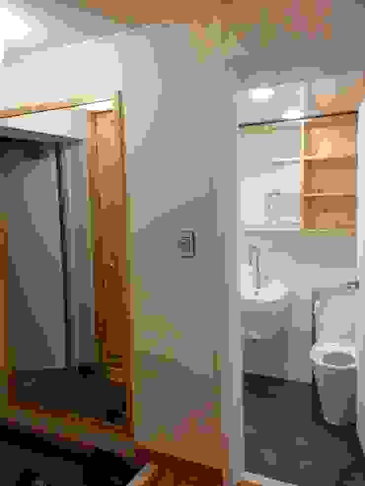 신촌 데시앙아파트 리모델링 모던스타일 욕실 by LNID 모던