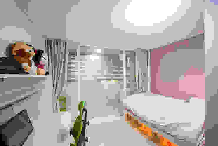 장위동 참누리아파트 리모델링 모던스타일 미디어 룸 by LNID 모던