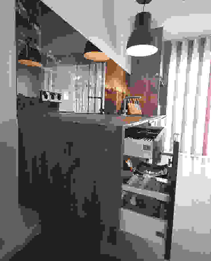 Glascouture by Schenk Glasdesign KitchenStorage Komposit Kayu-Plastik Wood effect