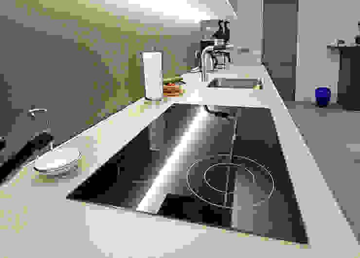 Glascouture by Schenk Glasdesign CuisinePlans de travail Verre Beige