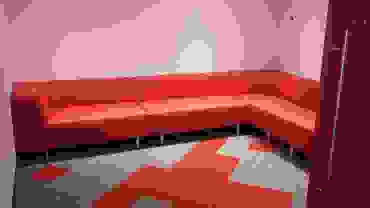 Sala para entrevistas de CMS Mobiliario Moderno Sintético Marrón