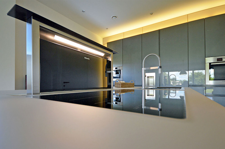 Glascouture by Schenk Glasdesign KitchenElectronics Kaca Black