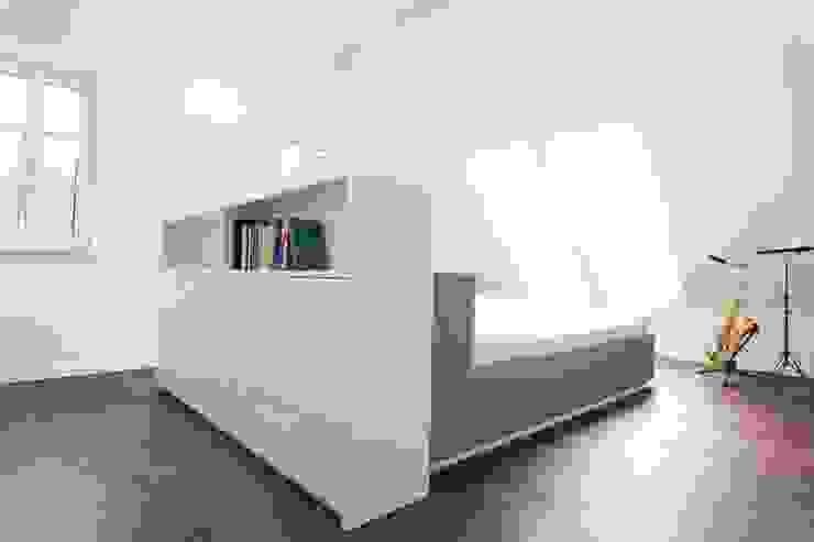 Umbau/Sanierung Villa S Minimalistische Schlafzimmer von INARCH Sabine Schimanofsky Minimalistisch