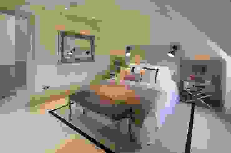 Hampstead, London - Residential:  Bedroom by Peach Studio