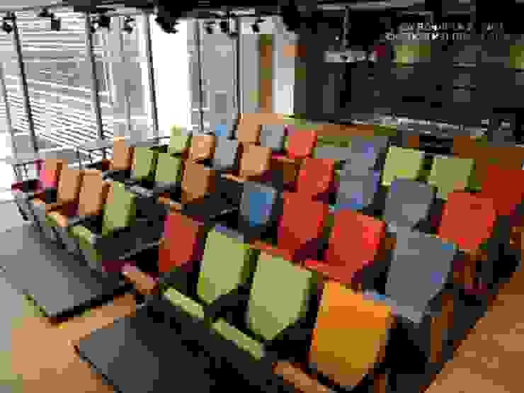 Proyecto auditorio Geometry Global:  de estilo industrial por CMS Mobiliario, Industrial