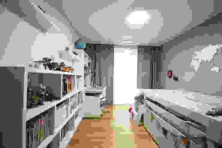 Modern Kid's Room by homelatte Modern