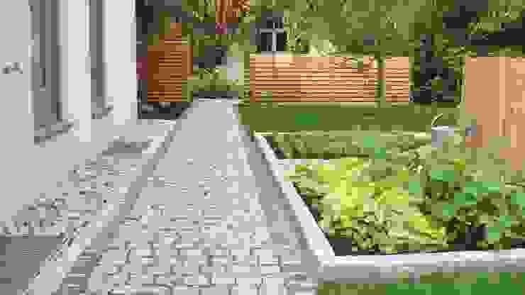 러스틱스타일 정원 by Garten-Landschaftsbau Hierreth-Felser GmbH 러스틱 (Rustic)