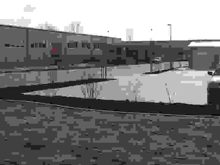 Garten-Landschaftsbau Hierreth-Felser GmbH Giardino in stile industriale