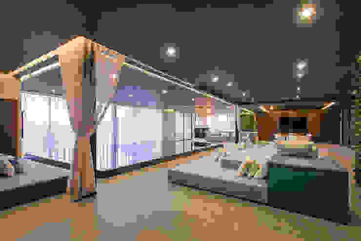 Spa phong cách hiện đại bởi Sobrado + Ugalde Arquitectos Hiện đại