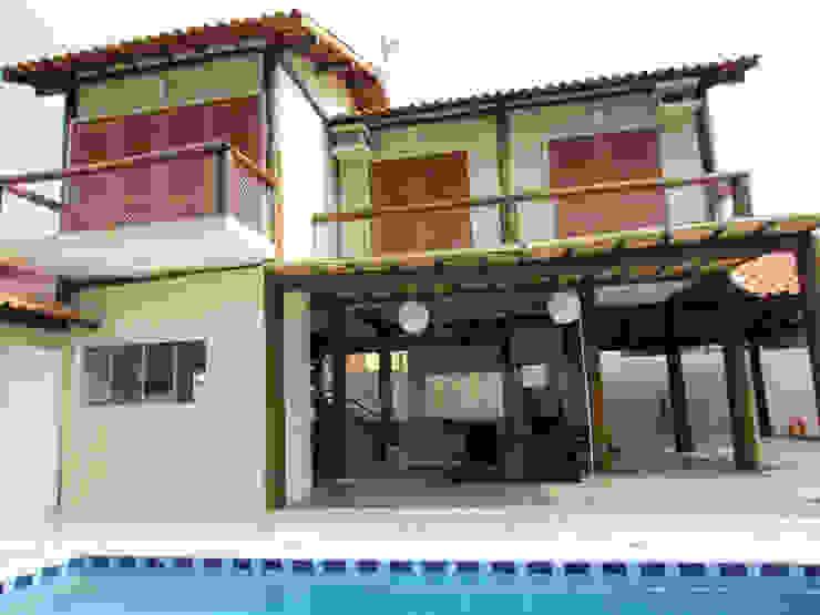 Vista lateral Piscina- Varandas Casas rústicas por VN Arquitetura Rústico Madeira Efeito de madeira