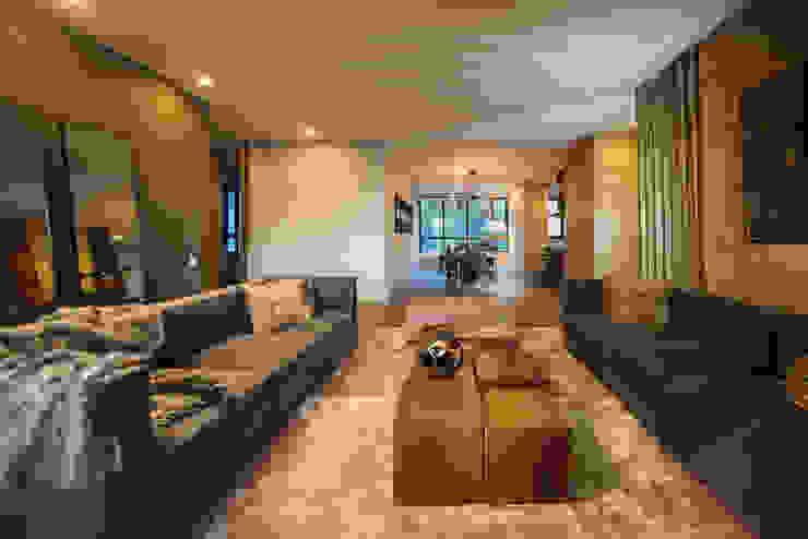 Moderne woonkamers van Munera y Molina Modern