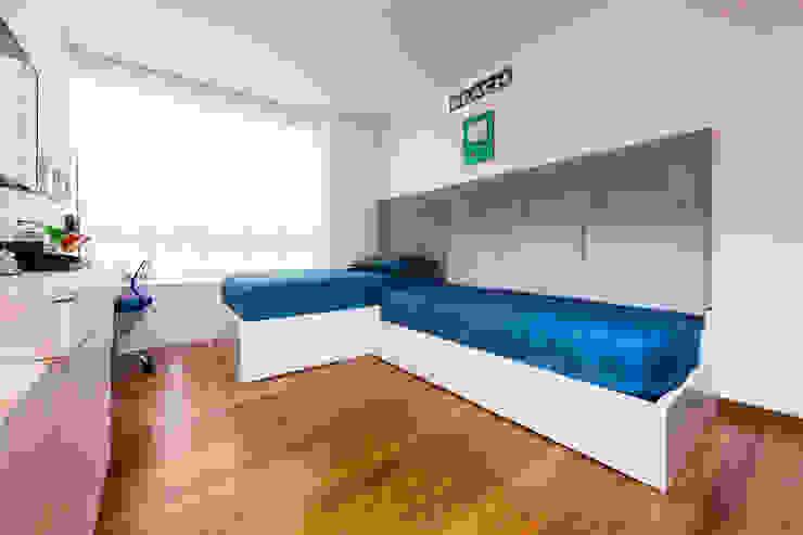 MONDRIAN: Habitaciones para niños de estilo  por Munera y Molina,