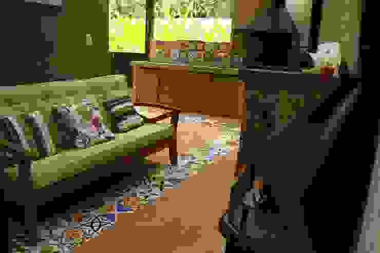 Vista 2 - Lareira Varandas, alpendres e terraços tropicais por VN Arquitetura Tropical