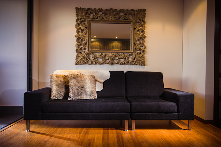 Modern living room by Munera y Molina Modern
