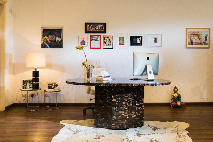Study/office by Munera y Molina