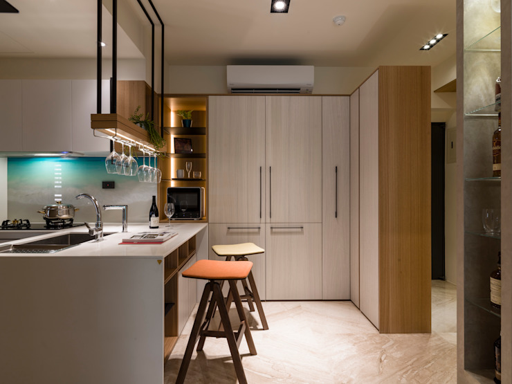 Modern kitchen by 楊允幀空間設計 Modern