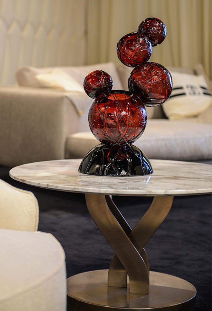 An Artistic Decor Solution: modern  by Spacio Collections,Modern Glass