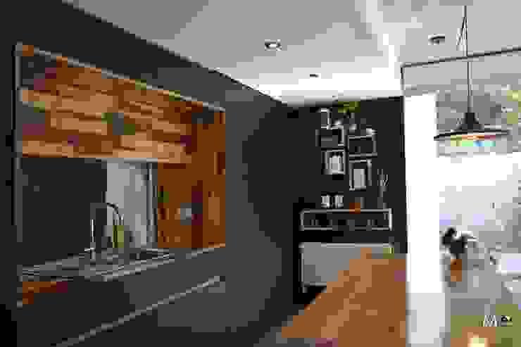 Kitchen by estudio  M